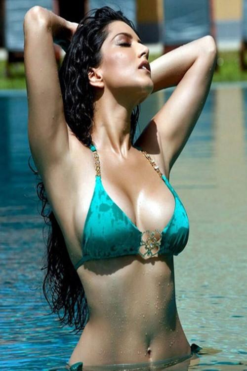Sunny-Leone-Hote.jpg